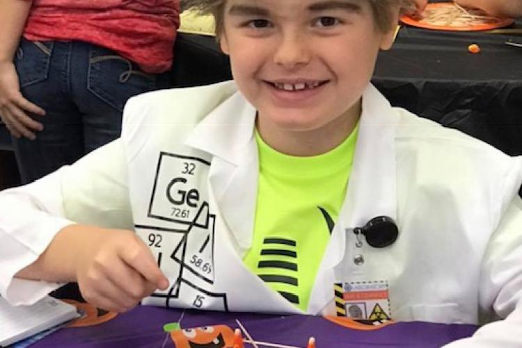 Laurel Hill Students Participate in Mad Scientist Day