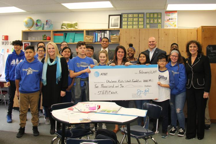 Okaloosa Public Schools Foundation Receives AT&T Grant